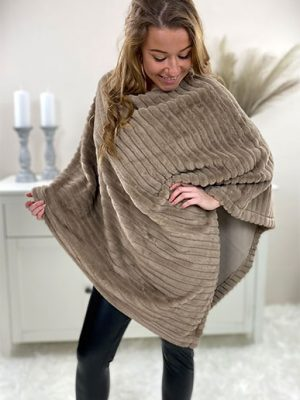 Chicwear.dk-fake-fur-poncho-taupe